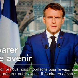 President Macron talar till nationen den 12 juli 2021.