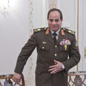 Egyptens ledare Abdel Fattah al-Sisi anländer till ett möte med Rysslands president Vladimir Putin 13.2.1024
