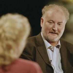Neil Hardwick Maarit Tastulan haastattelussa (2001).
