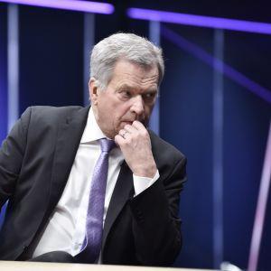 President Sauli Niinistö i tv-studio.