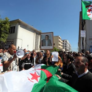 De massiva protesterna i våras tvingade den sjuklige presidenten Abdelaziz Bouteflika att i praktiken avgå medan brodern Said greps och slängdes  i fängelse