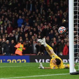Pierre-Emerick Aubameyang teki Arsenalin toisen maalin Aston VIllaa vastaan.