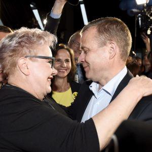 Sipra Pietikäinen kramar om Petteri Orpo.