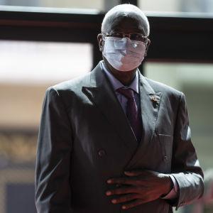 Malin presidentti Bah Ndaw kuvattuna Pariisissa toukokuussa.