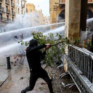 Regeringsfientliga protester i Beirut  18.1.2020