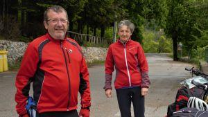 Gigi Dessemibus och Luisa Nazzoli är vana pilgrimsvandrare, denna gång med cyklar.