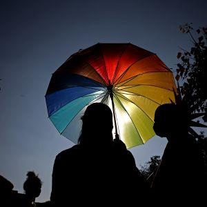 Transsexuella under en LGBT-marsch i Bangalore, Indien.