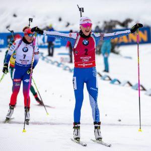 Kaisa Mäkäräinen vinner i Hochfilzen 2018.