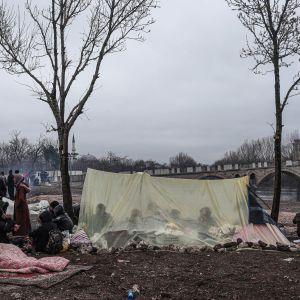 Edirnessä, Kreikan rajan kupeessa leiriytyi vielä maaliskuun alussa tuhansia Eurooppaan pyrkineitä.