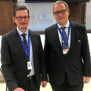 Vasas tf ekonomidirektör Jari Karjalainen och stadsdirektör Tomas Häyry.
