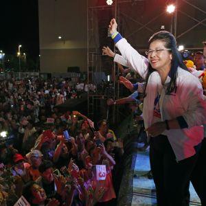Oppositionsledaren Sudarat Keyuraphan leder landets största parti Pheu Thai som har en god chans att bli det största partiet i det nya underhuset