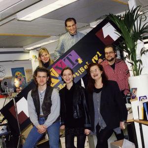 N.Y.T. NYT Nuorten uutiset -ohjelman työryhmää vuonna 1995.