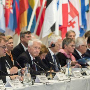 Europarådets ministermöte hölls i Finlandiahuset i Helsingfors den 17 maj. Dåvarande statsminister Juna Sipilä och rådets avgående generalsekreterare Thorbjörn Jagland i förgrunden