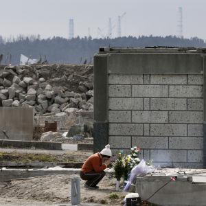 Japan minns offren för fukushimaolyckan år 2011