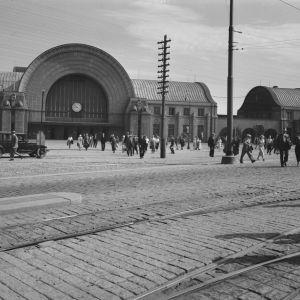 Eliel Saarisen ja Herman Geselliuksen suunnittelema, vuonna 1913 valmistunut Viipurin  rautatieasema