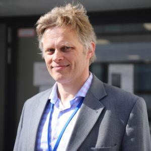 Päijät-Hämeen hyvinvointiyhtymän terveys- ja sairaanhoitopalvelujen toimialajohtaja Tuomo Nieminen