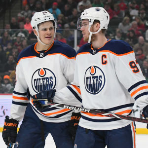 Jesse Puljujärvi har inte tagit vara på chansen då han sporadiskt fått visa upp sig till höger om storstjärnan Connor McDavid.