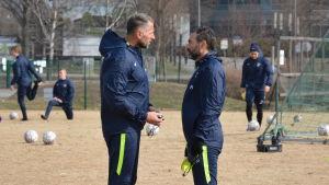 Fabrizio Piccareta och Shefki Kuqi, FC Inters träningar, våren 2017.