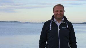 Max Jansson från Visit Vasa väntar nya kryssningsturister till Vasa.