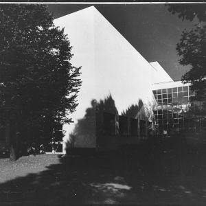 Arkkitehti Alvar Aallon suunnittelema, vuonna 1935 valmistunut Viipurin kaupunginkirjasto