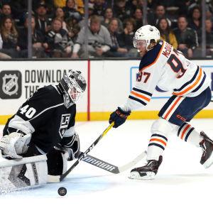 Connor McDavid gjorde mål i NHL.