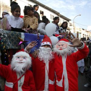 Barn i Kashmir firar jul i Jammu i Kashmir. Hela regionen firar jul, trots att bara drygt två procent av befolkningen är kristen.