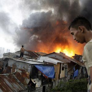 Invånarna stod hjälplösa inför branden