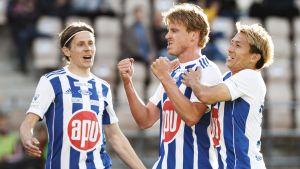 Rasmus Schüller firar mål i HJK 2020.
