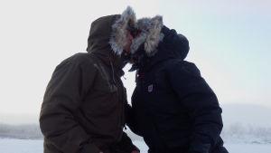 Aki, Emilia ja arktinen pusu.