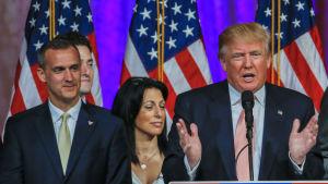 Donald Trump och hans kampanjchef Corey Lebandowski.