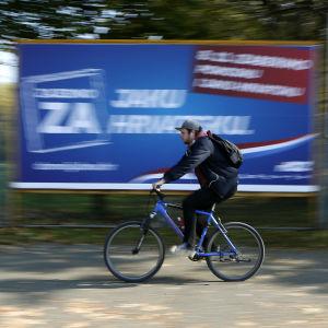 Valaffish för högerpartiet HDZ i Kroatiens huvudstad Zagreb.