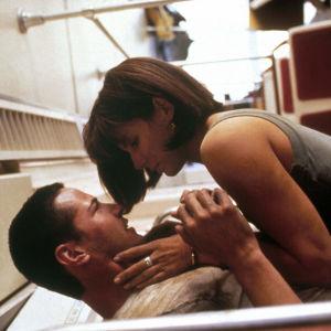 Keanu Reeves och Sandra Bullock i filmen Speed 1994.