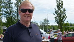 Medelålders blond man i glasögon, Folke Lindström i Nagu.