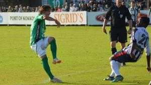 Mannström skjuter in 3-0 för KPV.