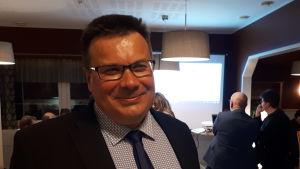Niklas Sjöskog på valvaka riksdagsvalet 2019.
