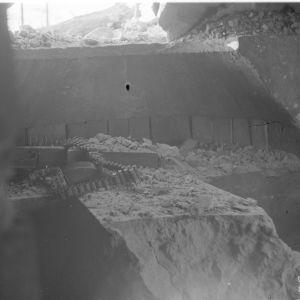 19.2.1940 Rikkiammutun KK-kasemaatin rikkoutunut ampuma-aukko Vuokselassa Karjalankannaksella