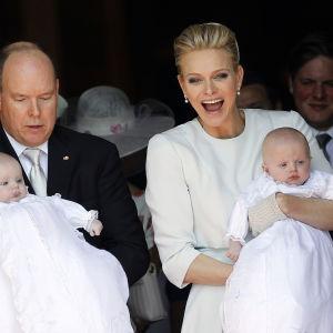 Dop av Monacos tvillingar.