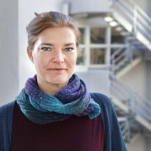 Porträttbild av Jenni Reuter.