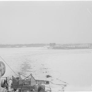 22.3.1940 Jääkarhu jättää Hangon.