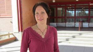 Johanna Nuorteva framför Kivimäki skola