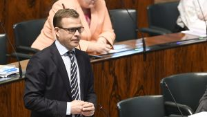 Petteri Orpo (Saml) i riksdagen den 29 april 2020.