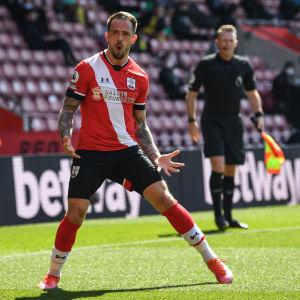 Southamptons Danny Ings firar 2–2-kvitteringen.
