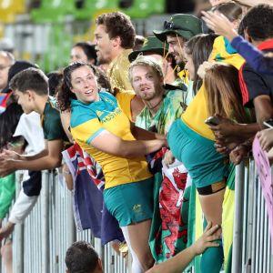 Full fest när Australien vann OS-guld i Rugby Sevens för damer.