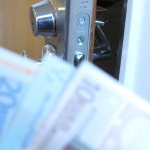 rahaa ja rappaukäytävä