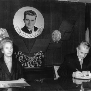 Elena och Nicolae Ceausescu utövar sin makt