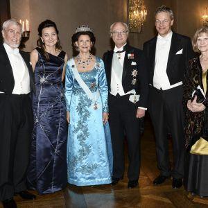 Medicinpristagarna John O'Keefe, May-Britt Moser, kung Carl Gustaf och drottning Silvia, medicinpristagarna Edvard I. Moser och professor Eileen O'Keefe.