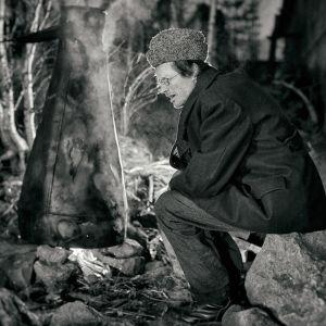 Juha Hurme elokuvassa Salaviinanpolttajat