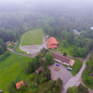 Helikopterbild av Snappertuna skola