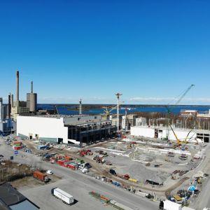 Wärtsiläs fabrik i Vasklot i Vasa under byggnad.
