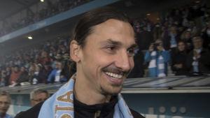 Zlatan Ibrahimovic deltar i Malmös guldfirande.